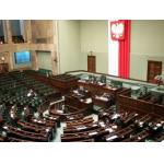 Co zagraża polskiej demokracji?